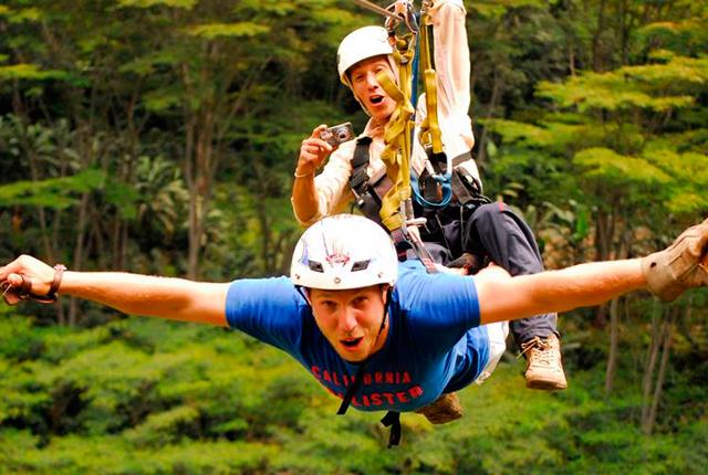 Disfrutando del Canopy en Pucón