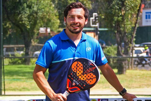 Javier Valdés, jugando el World Paddle Tour en España